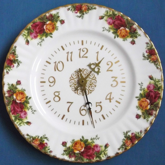 Royal Albert Wall Art Old Country Rose Clock Like New 12